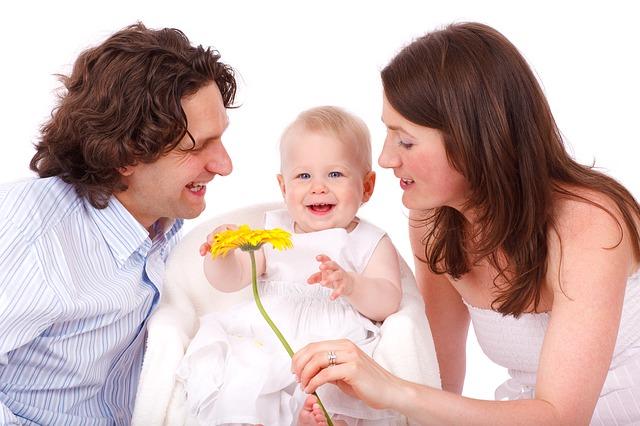 Urlop macierzyński, ojcowski i rodzicielski – komu i na jak długo przysługują?