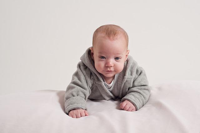 Czy mata edukacyjna jest potrzebna dla rozwoju niemowlaka?